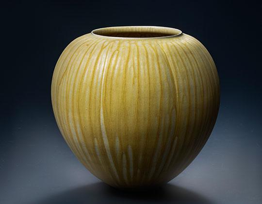 清水焼陶器の展示
